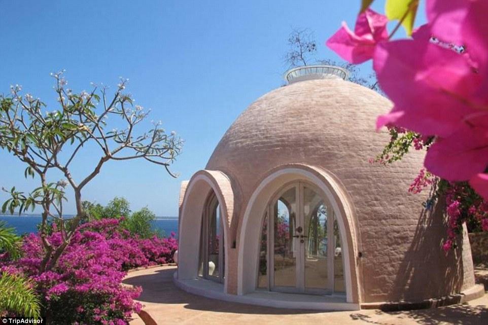 The striking domed villas of this mini-village on the Indonesian island of Lombok have bedrooms with round-shaped beds