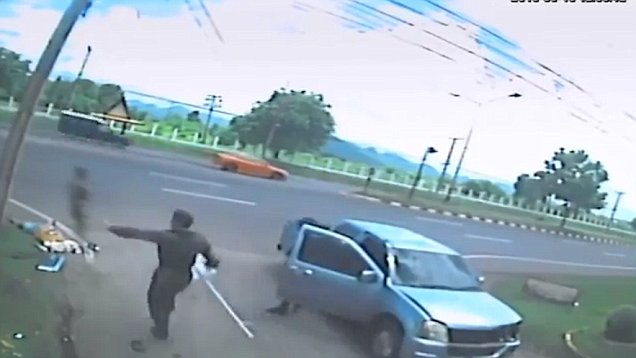 Image result for Chinese Man Involved In A Car Accident Refuses Helpers To Hold His Bag Of Money