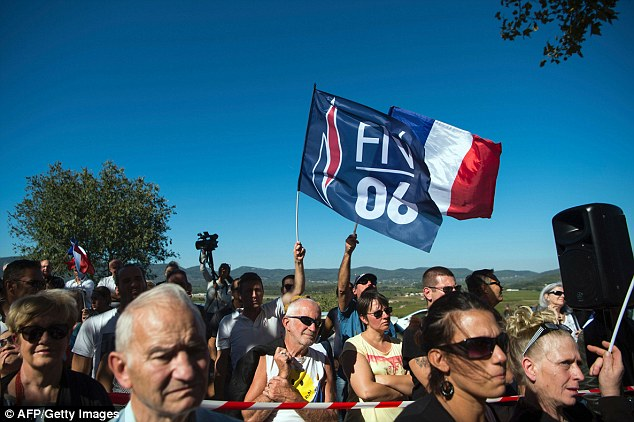 Members of the far right Front National were holding a protest in the afternoon against the plans to deal with the Calais camp