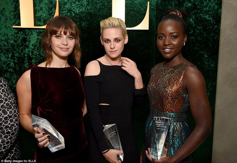 glampers felizes: Felicity Jones, Kristen e Lupita Nyong'o todos os prêmios agarrou