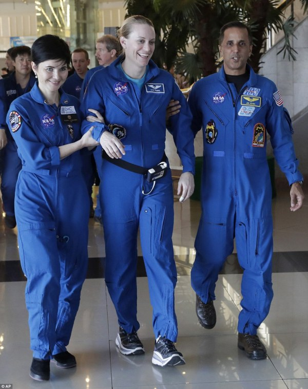NASA astronaut Kate Rubins returns to Earth after 115 days ...