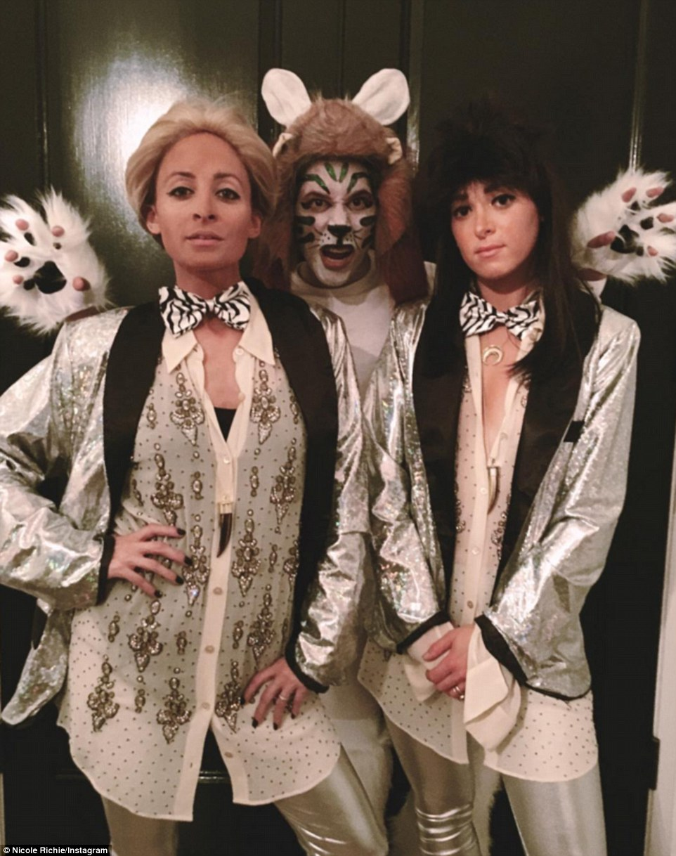 But Nicole Richie and two pals got into the spirit as they channeled famous Las Vegas act Siegfried and Roy