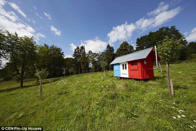 Ha detto che era parte della 'ricerca sulla fattibilità di case piccoli prefabbricati prodotti in serie'