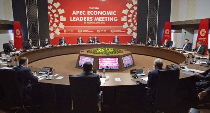 Peru's President Pedro Kuczynski (center back) speaks at the opening session of the Asia-Pacific Economic Cooperation (APEC) in Lima, Peru on Sunday