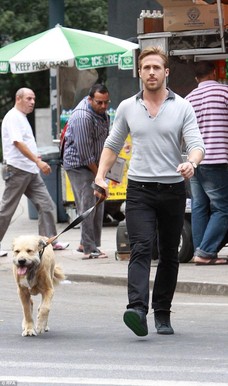 Eva Mendes Is At Ryan Goslings Side As He Carries His