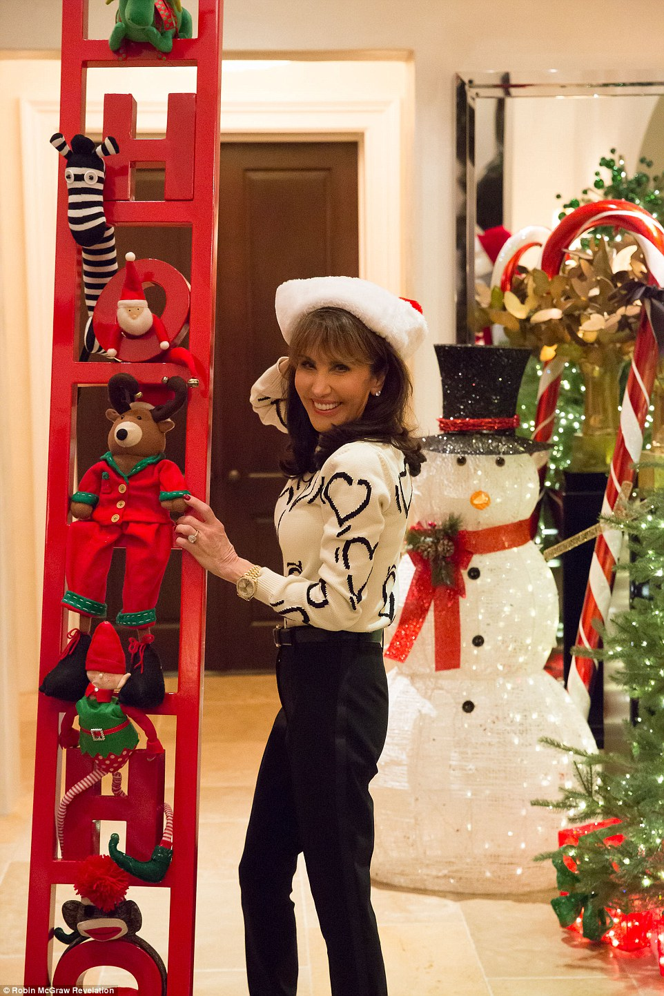 Dr Phil And Robin McGraw Transform Their Home Into Santa