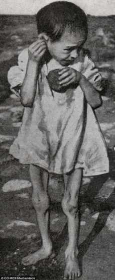 Niño hambriento en Samara