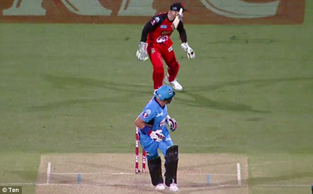 Brad Hodge smacked the ball away to leg side when he suddenly let go of the bat, sending it flying towards Nevill's face