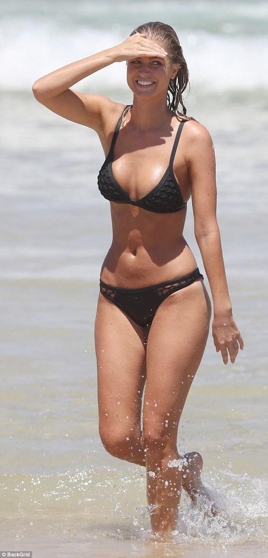 Renae Ayris Flaunts Toned Bikini Body On Bondi Beach