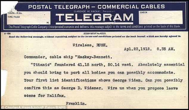 Los mensajes fueron enviados por telegrama entre el CS Mackay-Bennett en el Atlántico Norte y la White Star Line, la compañía naviera británica propietaria del Titanic