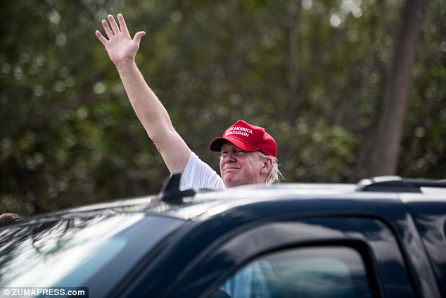 Once again Trump's route to Mar-a-Lago was met with supporters