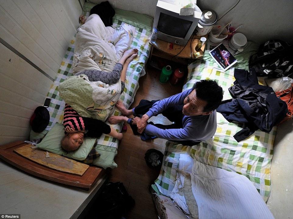 Kong Hong Apartment Feet Cubicle