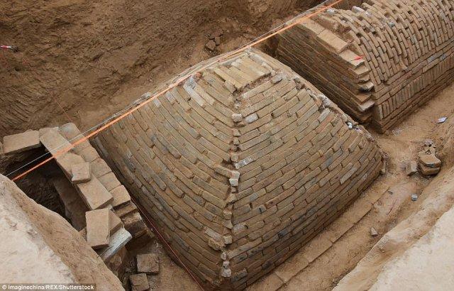 La tumba en forma de pirámide se ha encontrado en un sitio de construcción en Zhengzhou, provincia central de Henan de China
