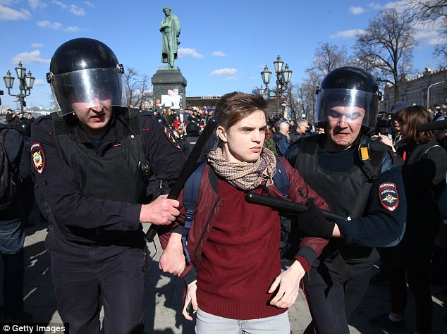 In the Urals city of Yekaterinburg, about 1,000 people turned up to protest against the government