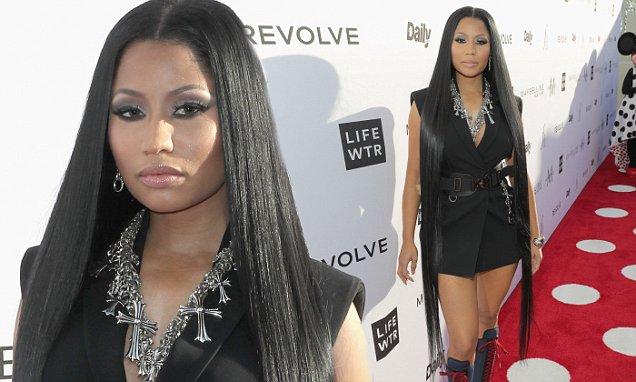 Nicki Minaj Shows Off Extra Long Hair Extensions In LA