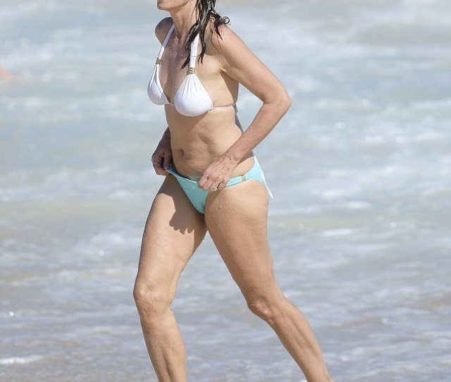 Showstopper On Friday Cindy Crawford Showed Off Her Figure In A Two Piece Bikini