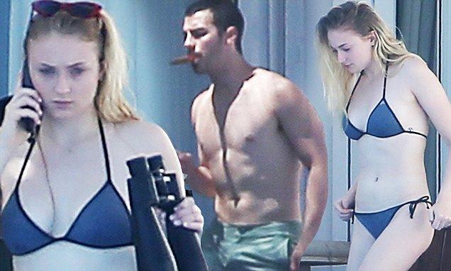 Joe Jonas And Sophie Turner Take Romantic Cabo Getaway