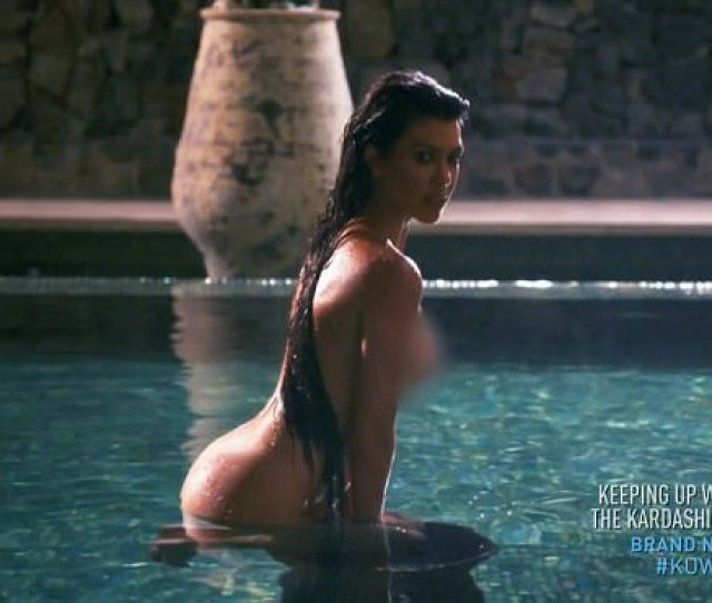 Her Big Debut Kourtney Kardashian Sizzled In A Nude Photo Shoot Caught In A Behind