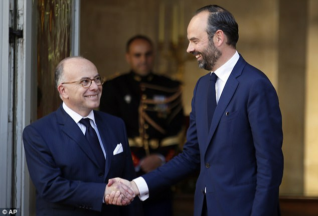 D. Philippe, hijo de profesores de Rouen, es - como el Sr. Macron - un producto de la élite de la escuela de la función pública, ENA