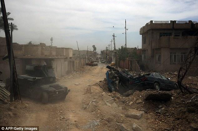 Cientos si no más civiles han muerto bajo el bombardeo de la coalición liderada por Estados Unidos y la Fuerza Aérea iraquí durante la campaña de Mosul