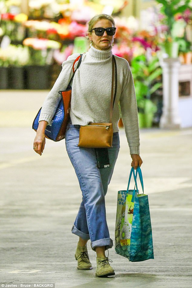 Getting those goodies:The 44-year-old Other Woman actress was seen shopping at the popular organic health food store in Beverly Hills