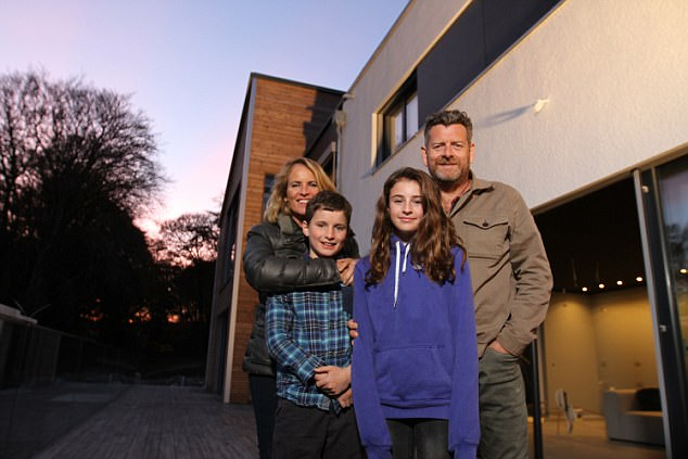 Channel 4 show Flat Pack Mansions followed the Cooper family as they installed the two floors in two days and astonishingly slotted on the roof by day three