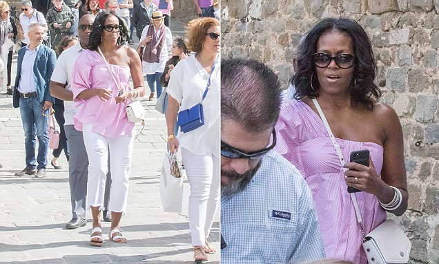Michelle Obama spotted sightseeing in Tuscany