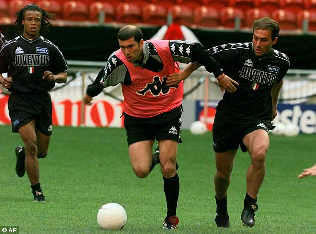 Antonio Conte, pictured training in Amsterdam with Zidane, came on as a substitute