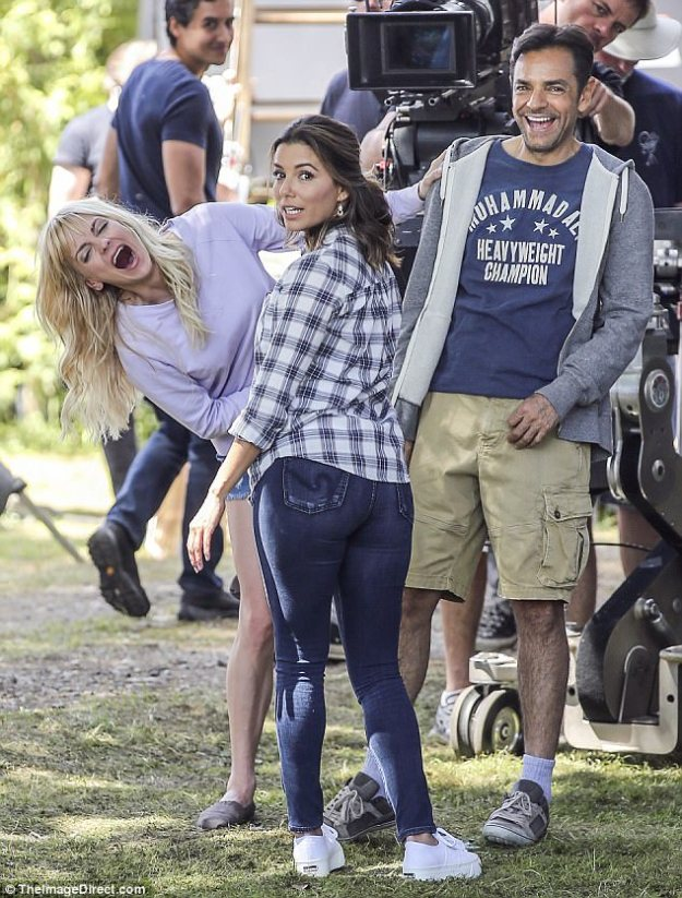 Booty-ful comedy: nna Faris got her costar Eva Longoria laughing on set of their new movie, a remake of 1987 comedy Overboard, in Vancouver on Tuesday