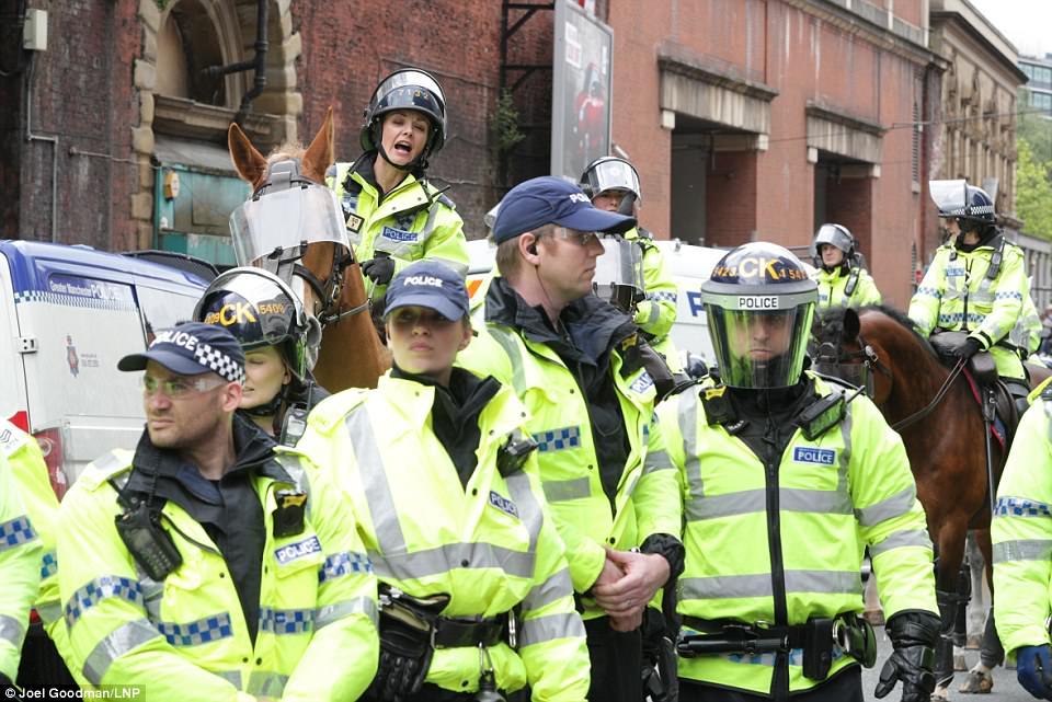 Los agentes de policía Manchester mayores asistieron a la marcha del domingo y no está claro si hicieron ningún arresto hoy