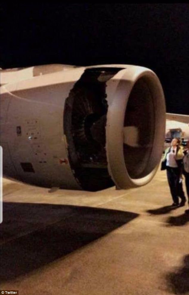 Un vuelo de China Eastern desde Sydney a Shanghai se ha visto obligado a dar la vuelta después de su tripulación de vuelo notó un agujero en el motor del avión sólo momentos después de despegar