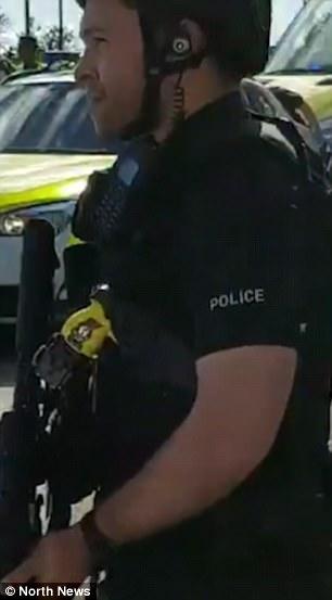 Un gran presencia policial estaba en su lugar a través de Newcastle para tranquilizar a los residentes