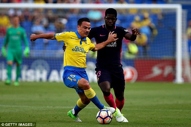 Swansea are hopeful of completing an £11.5m move for Las Palmas midfielder Roque Mesa