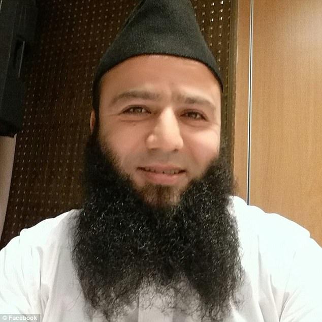 Se cree que el terrorista de origen París Mostefai se inspiró en los discursos de Chadlioui mientras se radicalizó cada vez