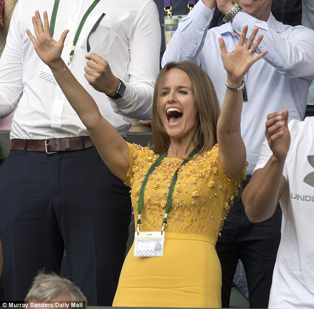 Kim celebrates as Andy finally secures his first Wimbledon men's singles title