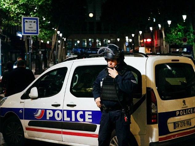 Laure Chabaud, un juez de Aviñón, dijo que la policía sospechaba que era una disputa entre bandas