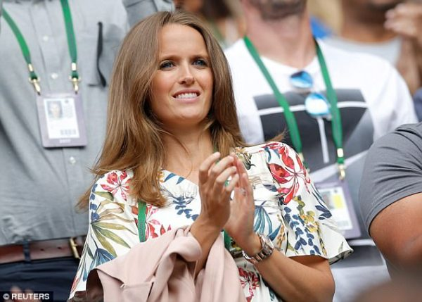 Mother-to-be Kim Murray looks glowing at Wimbledon | Daily ...