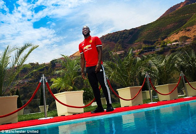 Romelu Lukaku has completed his move to Manchester United from Everton for £75million