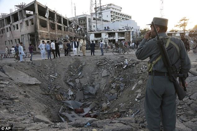 Mientras que el fin de ISIS como potencia territorial en Medio Oriente está llegando a su fin, la región sigue siendo vulnerable a los ataques de la guerrilla como lo demuestra el ataque a una heladería en Bagdad ya la embajada alemana en Kabul durante el Ramadán