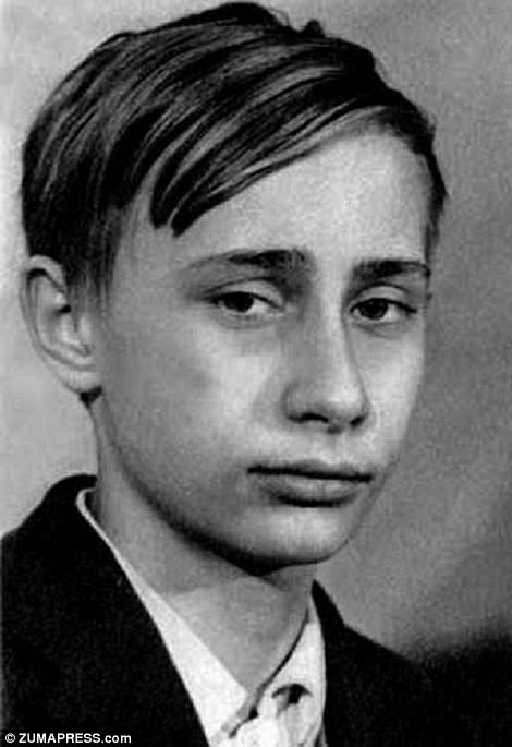 В ранние подростковые годы Владимир был членом местной уличной банды