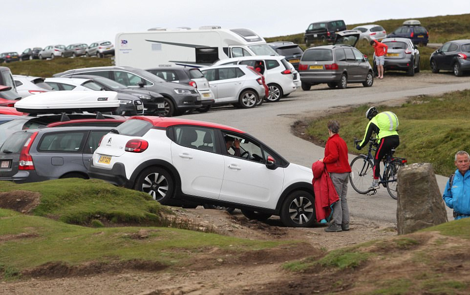 Car park overflow: Tourists park anywhere they can at Quiraing on  Skye - even where they are not really supposed to