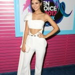 White Hot! Victoria Justice Style At The 2017 Teen Choice Awards