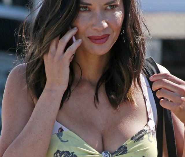 Certainly Not Munn Dane Olivia Munn Sizzled As She Paraded Around The Set Of