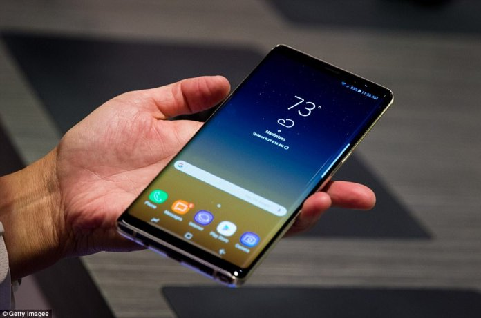 Overall, the phone seems capable of redeeming the Note reputation after last year's disaster.