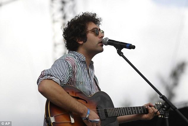 """El cantante de la banda, Miles Michaud, dijo que eligió el nombre porque quería algo """"santo"""" y no se daba cuenta de que sería una ofensa"""