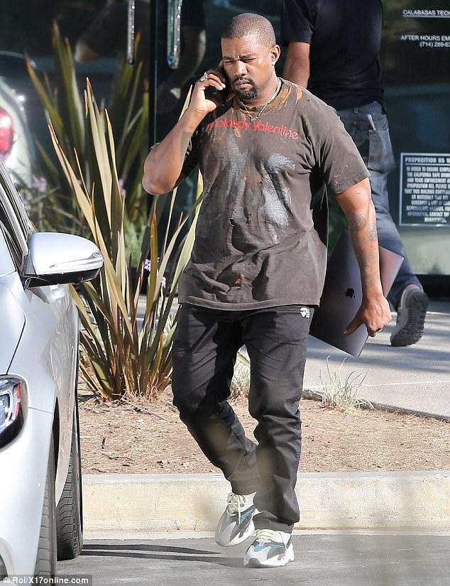 Kanye West Ignores Taylor Swift