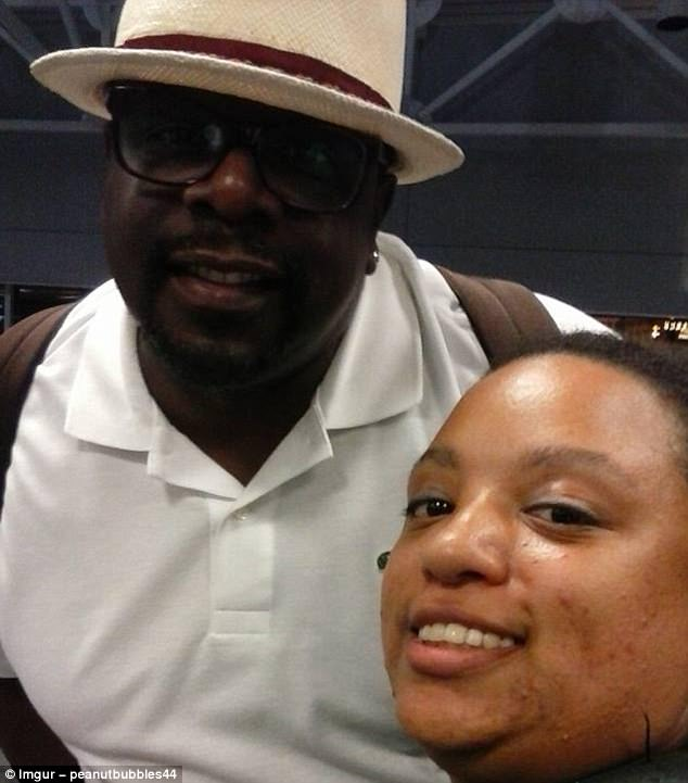 Comedian Cedric the Entertainer was happy to get a selfie with this fan at a US airport