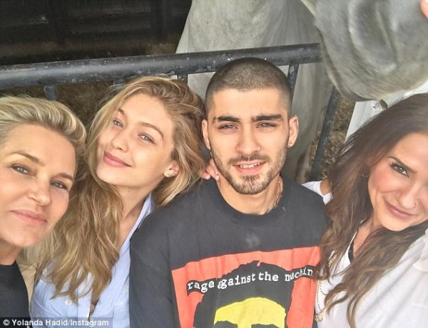 Yolanda Hadid shares a photo with Zayn Malik's mom Trisha