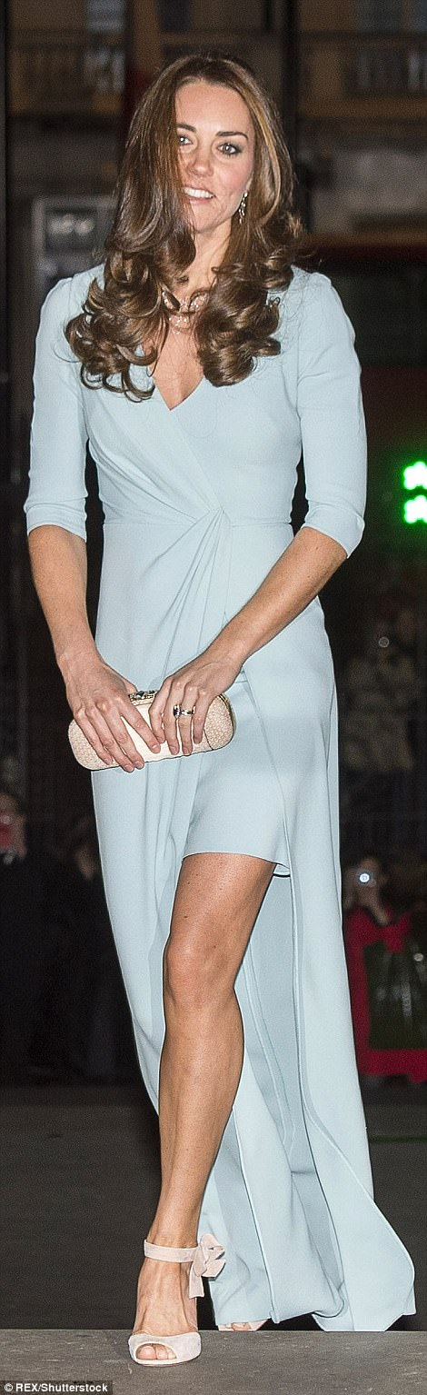 Oct 2014: Striking in mint Jenny Packham gown