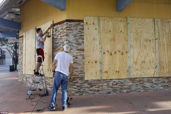 Florida and Georgia brace for arrival of Hurricane Irma ...